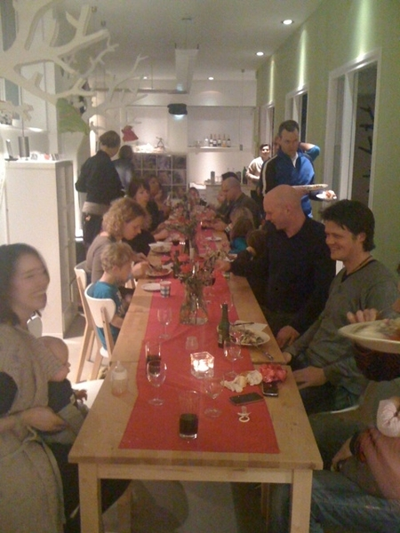 Full house in 'de Bloei', get together w/ collegues families