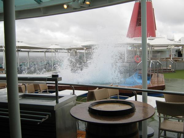 Tempestade em alto mar: Será que o navio estava balançando?! Saudades do Empress Cruise Ship..