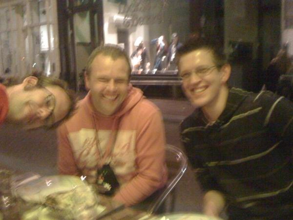 Met @JillesDOTCOM, @MikeVerbruggen en @SimonVreeman een lekker hapje aan het eten na #MoMo.