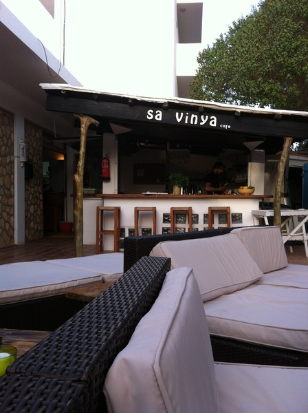 A la Sa Vinya Cafè gia' in postazione..aspettiamo solo1copa de sangria blanca e poi..tutti a tifare Italia!!!#Euro2012