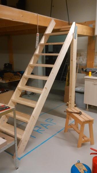 We hebben een trap \o/ #klussen @blokhuispoort