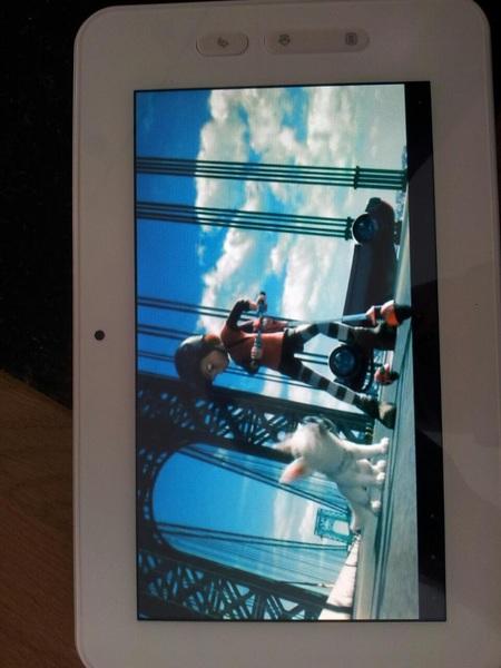 En je kunt er ook nog heel fatsoenlijk een filmpje op bekijken ook #Android