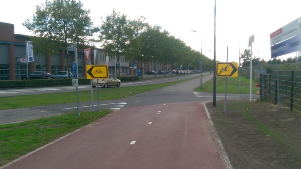 Ga ik #rechts voor #einde #omleiding of links voor verdere omleiding #fietsellende #rosmalen