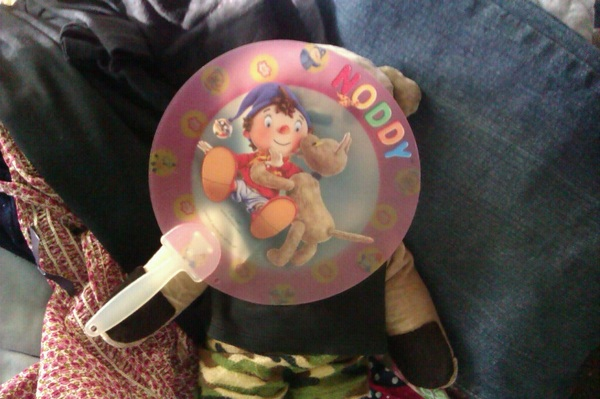 @BlindMaximus @nelliejean I have my Noddy fan but no one to flap it