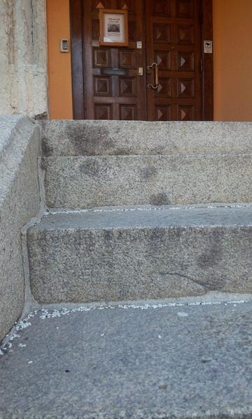 Risgryn på jobb-trappen då vet man att man arbetar i stadshuset :-)