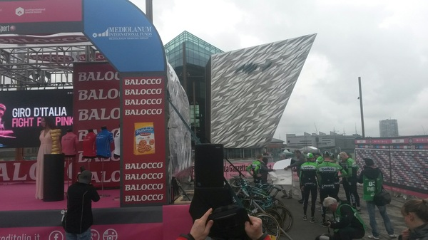 Signing up for stage 1 #giro