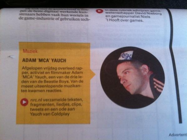 Jammer, de #nrcnext zet een foto van Ad-Rock (zoals te zien op zijn pet nota bene) bij de I.M. van MCA #fail