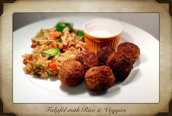 The end result of today's cooking.. Falafel with rice and vegetables!