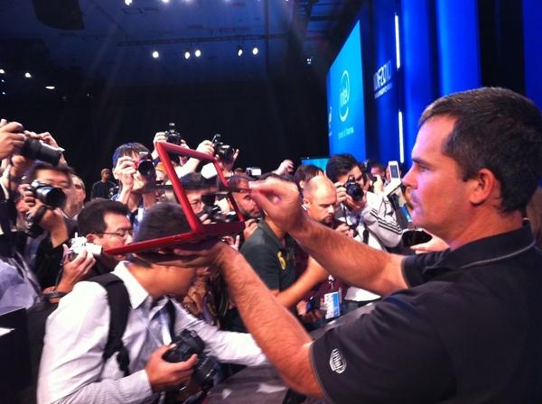 Paparazzi Snap Up Dell Flipping Tablet w/ Intel Atom (Oak Trail) Inside #IDF10