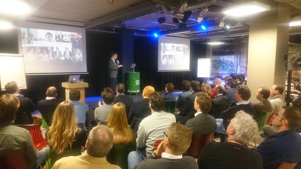 Ook volle bak Miniconferentie Blockchain en grenzeloos zakendoen. Nu @kasparkorjus van Estland eresidency