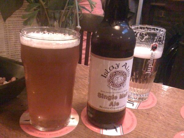In de Bontekoe een Islay Single Malt Ale gedronken, voor het eten bij Buddhas en dan Muziek in het Museum.