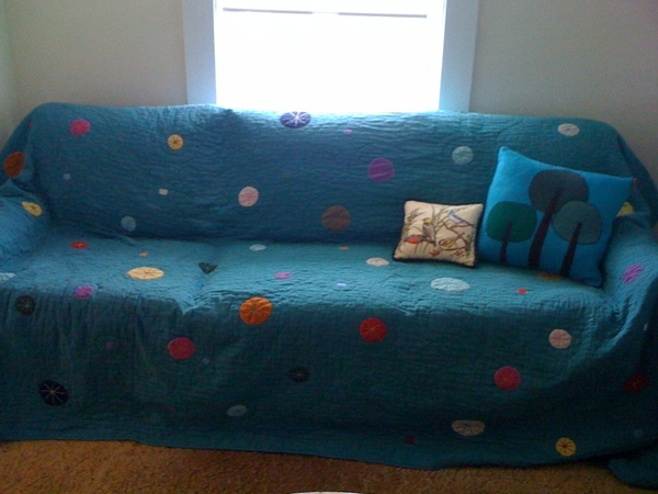 Bland couch?