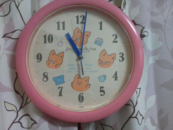 30年来愛用してきたZASHIKIBUTAの壁かけ時計が遂に寿命を迎えた…  新品の電池を入れても動かない~