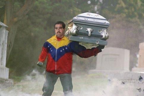 @reinaldoprofeta Ya no ve a Maduro solo en el desierto, lo ve con una caja