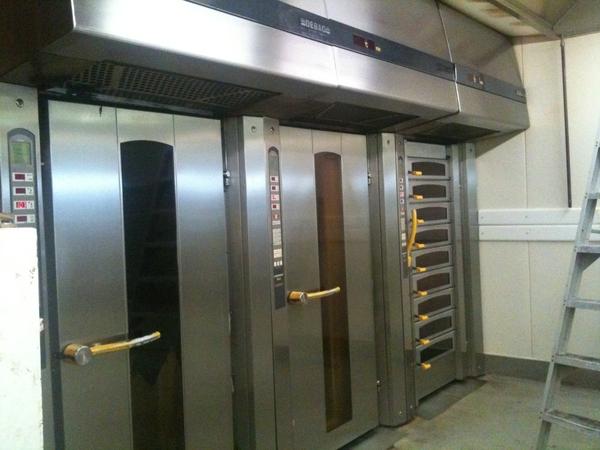 Zo! De ovens van #echtebakker #dendulk zijn ook weer glimmend schoon.