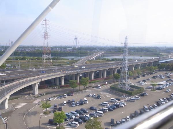 東海北陸自動車道と 138 タワー、だっけ? -