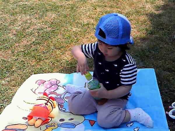 長女と武庫川ピクニック中。