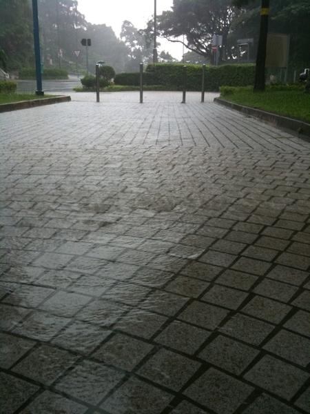 Serious rain , still hiking??