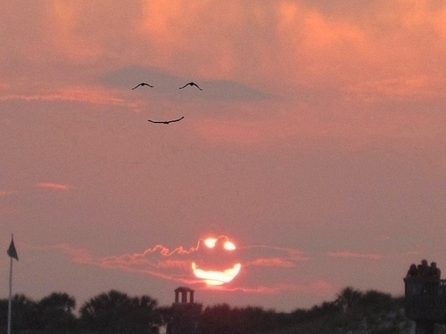 A smile over Japan from a unknown Japanese photographer. Very cool after the heartache. #Japan #SaveJapan