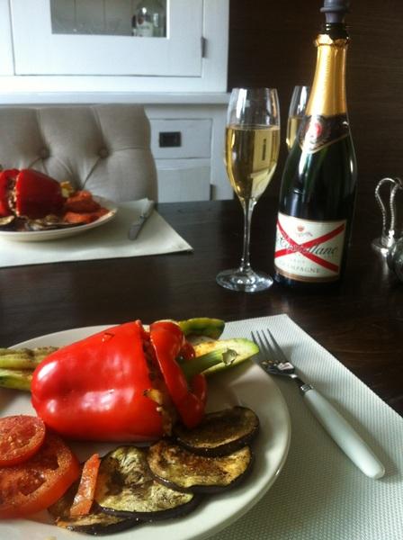 Ojee alweer heerlijk eten dit x met een heerlijke Champagne van The Dud #ty #lovelife #chef